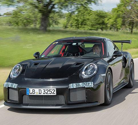 پورشه ۹۱۱ GT۲ RS -