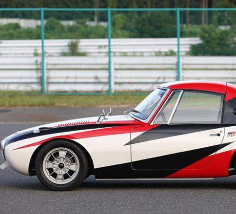 بازسازی قدیمی ترین خودروی مسابقه ای تویوتا با نام اسپرتس ۸۰۰ -